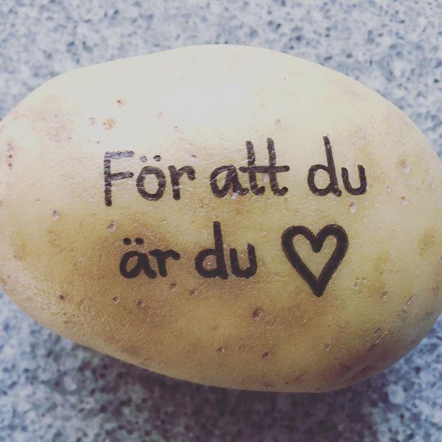 Hur du ska berätta att du tycker om någon? Posta en potatis  #postapotatis #potatis #kärlek Postapotatis.se